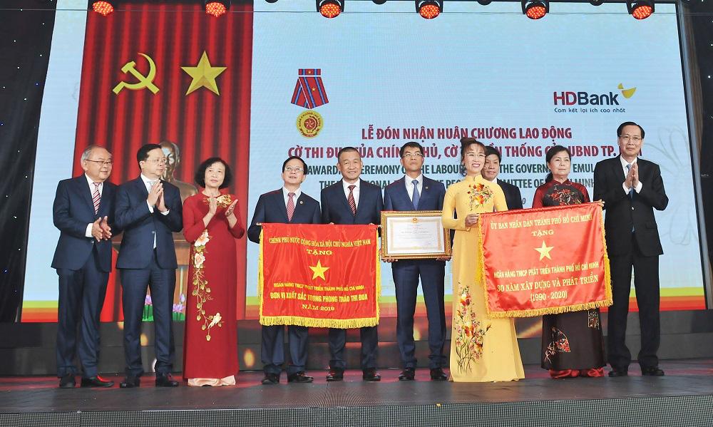 Bí thư Thành ủy Nguyễn Thiện Nhân: HDBank hãy trở thành ngân hàng hạnh phúc - Ảnh 3.