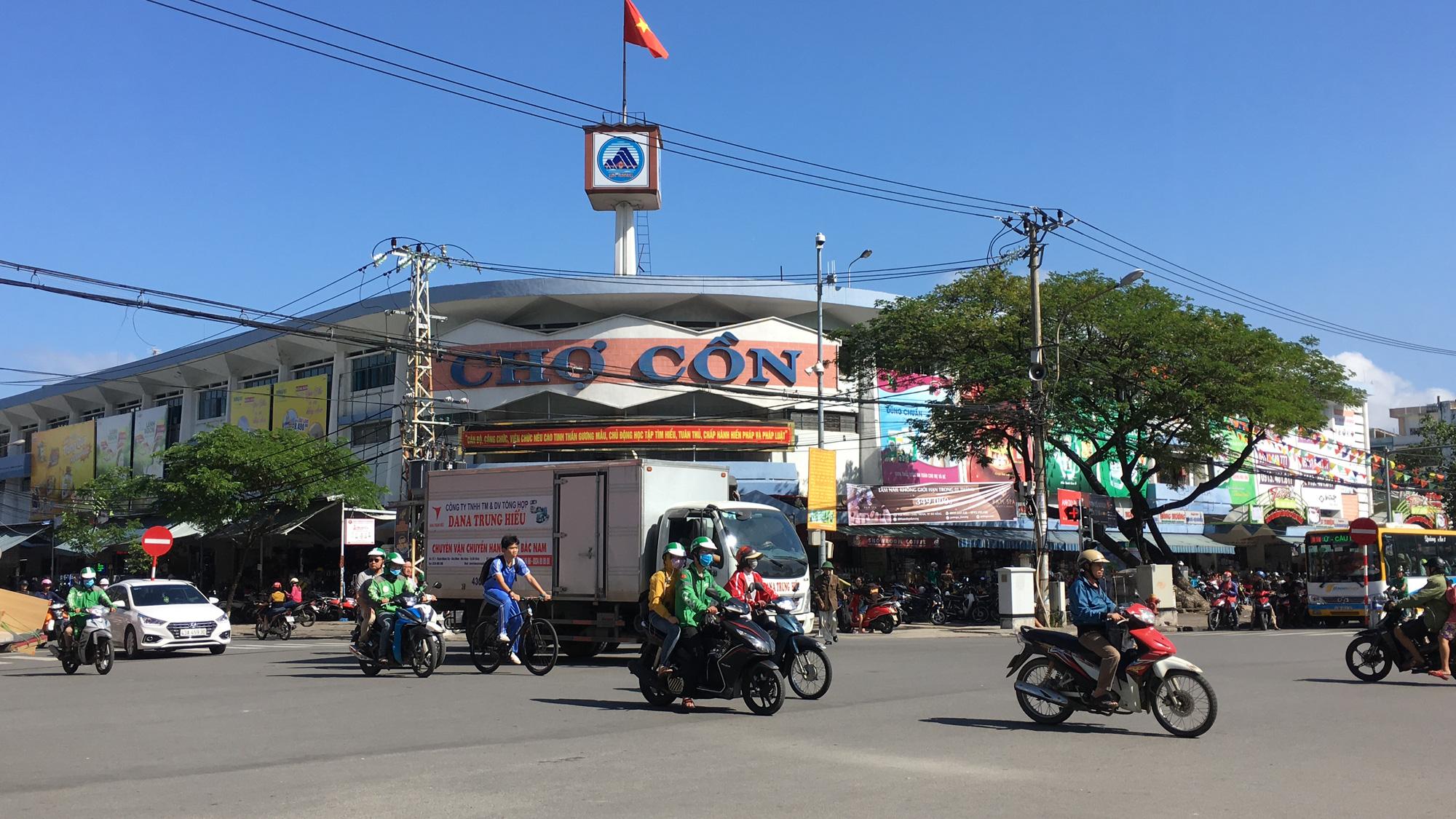 Đà Nẵng sẽ có chợ hiện đại tối đa 8 tầng, bãi đỗ xe đất vàng trung tâm thành phố - Ảnh 1.
