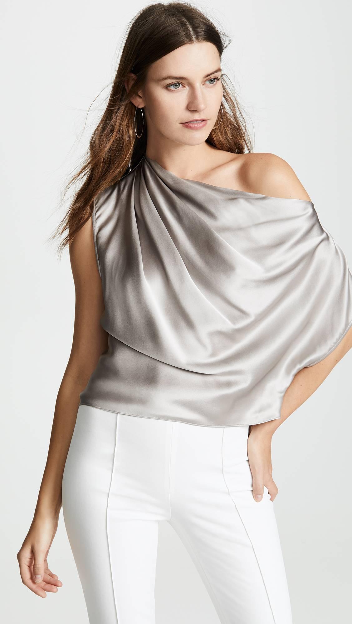 6 kiểu kết hợp màu sắc trang phục với trang sức vàng không thể bỏ qua - Ảnh 4.