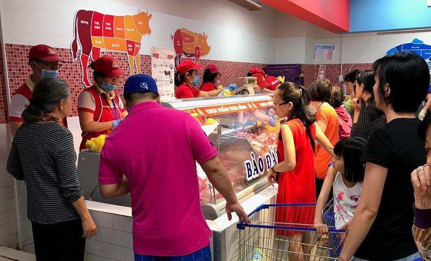 Giá heo hơi Đồng Nai tụt mốc 80.000 đồng/kg, TP HCM bình ổn giá thịt heo, giảm sâu trong 2 ngày 29-30 Tết - Ảnh 1.