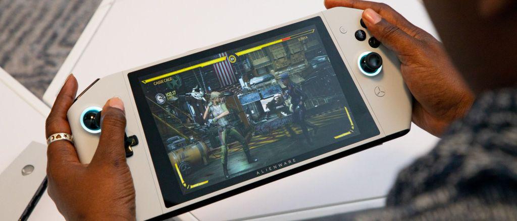 """Alienware ra mắt Concept UFO thiết bị chơi game Windows 10 dạng """" Switch"""" - Ảnh 1."""