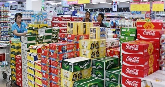 Quy định 'uống rượu bia thì không lái xe' tác động như thế nào đến Sabeco, Heineken và cả thị trường bia? - Ảnh 1.