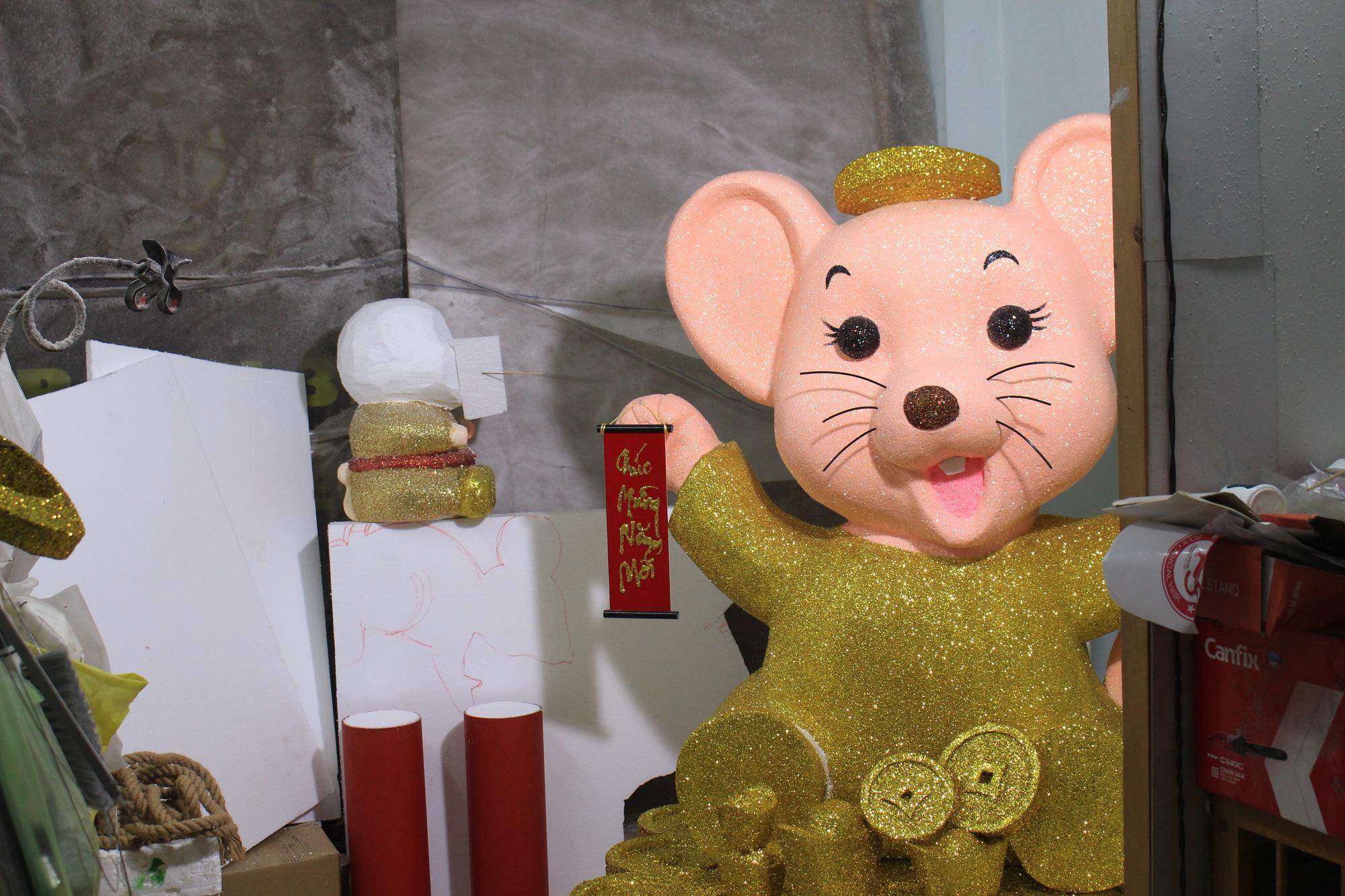 Chuột khổng lồ Tết Canh Tí chục triệu đồng ở Sài Gòn - Ảnh 11.