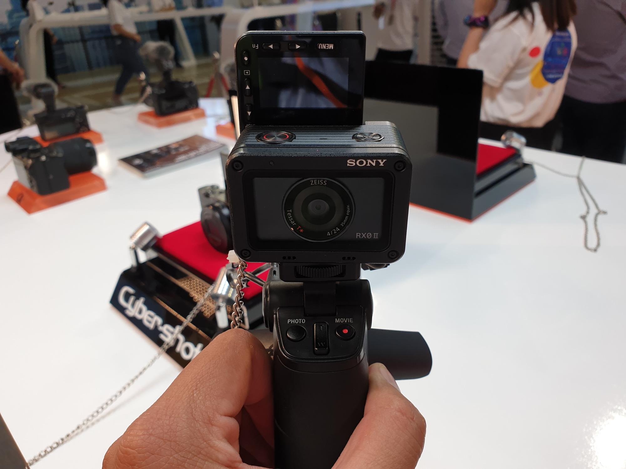 Máy ảnh gia đình chụp Tết nhiều mẫu giảm giá, dễ dàng chọn mua trong mức giá dưới 10 triệu đồng  - Ảnh 6.