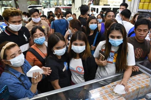 Người dân Trung Quốc đổ xô đi mua giấy vệ sinh để tích trữ giữa thời nCoV - Ảnh 4.