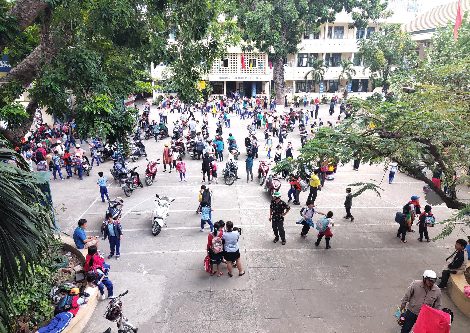 Tỉnh đầu tiên có ca người Việt Nam dương tính với Covid-19 cho học sinh đi học trở lại từ ngày 17/2 - Ảnh 1.