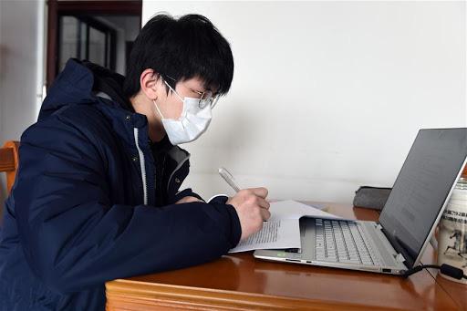 Hàng triệu khoá học online đã được mở ra trên khắp Trung Quốc để phục vụ học sinh, sinh viên nghỉ học vì dịch bệnh nCoV - Ảnh 1.