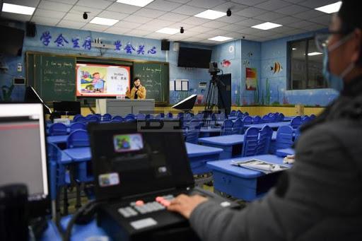 Hàng triệu khoá học online đã được mở ra trên khắp Trung Quốc để phục vụ học sinh, sinh viên nghỉ học vì dịch bệnh nCoV - Ảnh 3.
