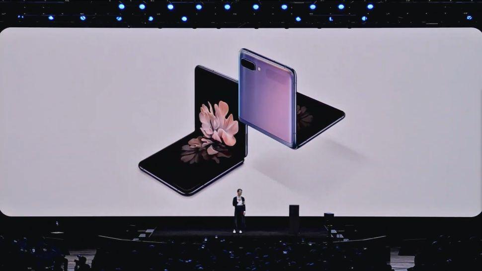Samsung Galaxy Z Flip đã chính thức công bố ngày lên kệ - Ảnh 1.