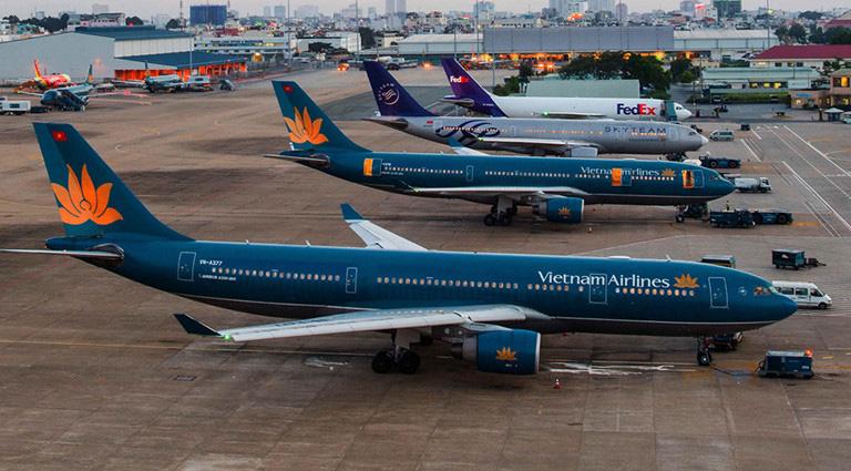 Hàng không thiệt hại hơn 10.000 tỉ vì virus corona, các hãng bay Việt chật vật tìm đường bay mới - Ảnh 1.
