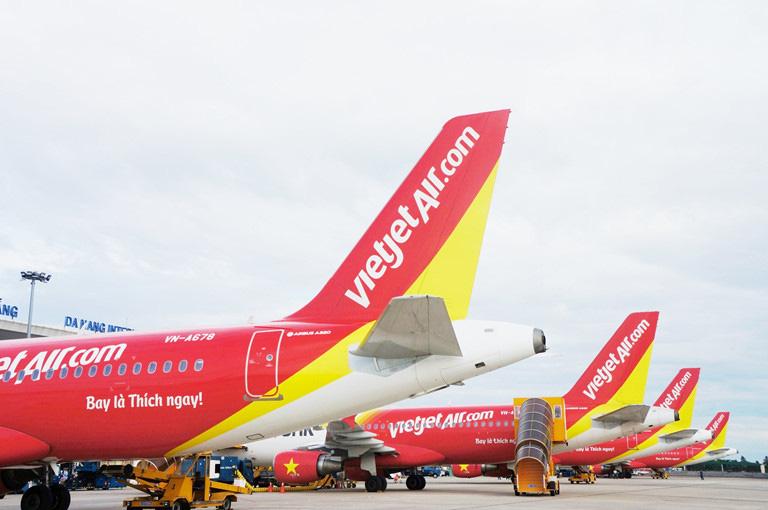 Hàng không thiệt hại hơn 10.000 tỉ vì virus corona, các hãng bay Việt chật vật tìm đường bay mới - Ảnh 2.