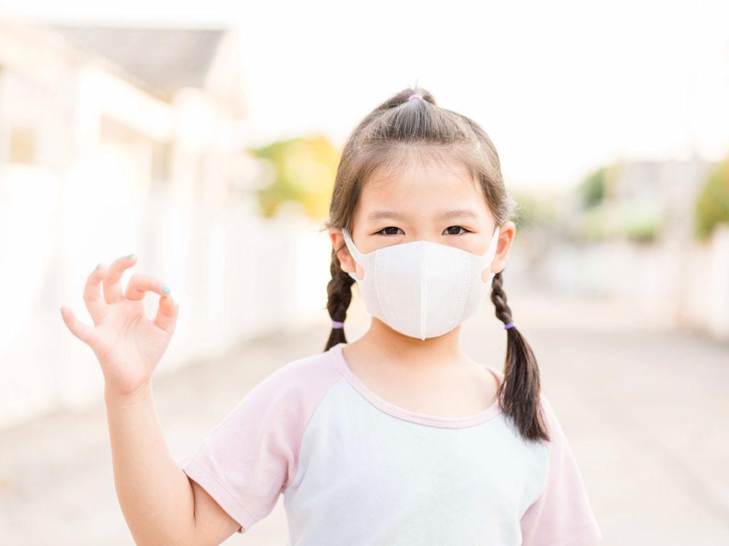 Bảo vệ trẻ trong mùa dịch bệnh Covid-19 - Ảnh 1.