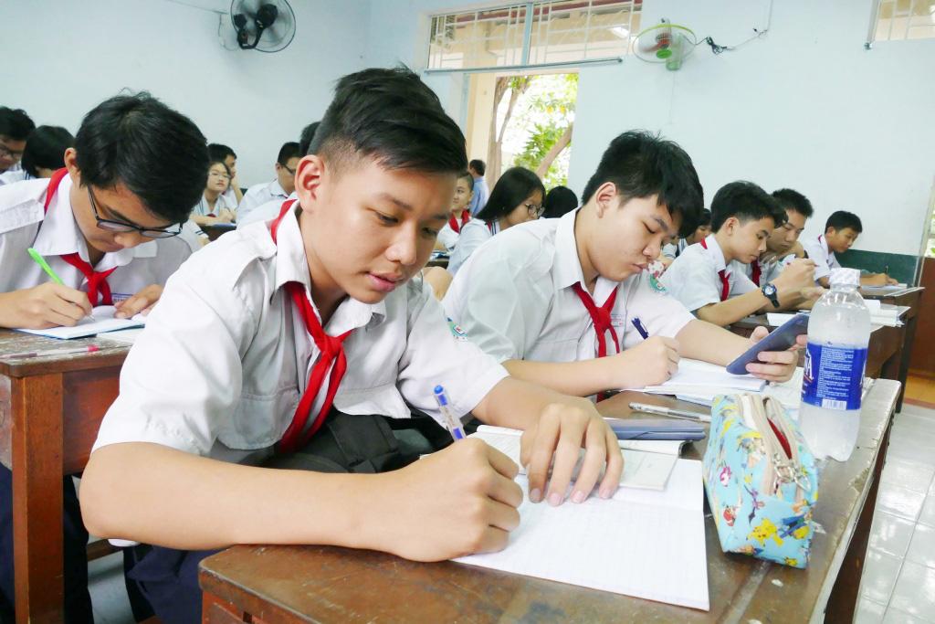 Dịch Covid-19: Học sinh TP HCM có thể nghỉ hết tháng 3 - Ảnh 1.