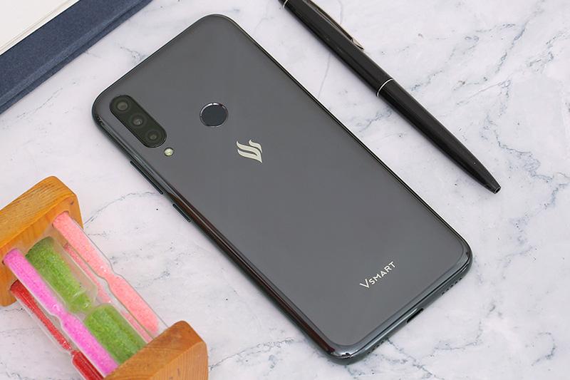 12.000 điện thoại Vsmart của tỉ phú Phạm Nhật Vượng bán hết veo chỉ sau 14h ra mắt - Ảnh 2.