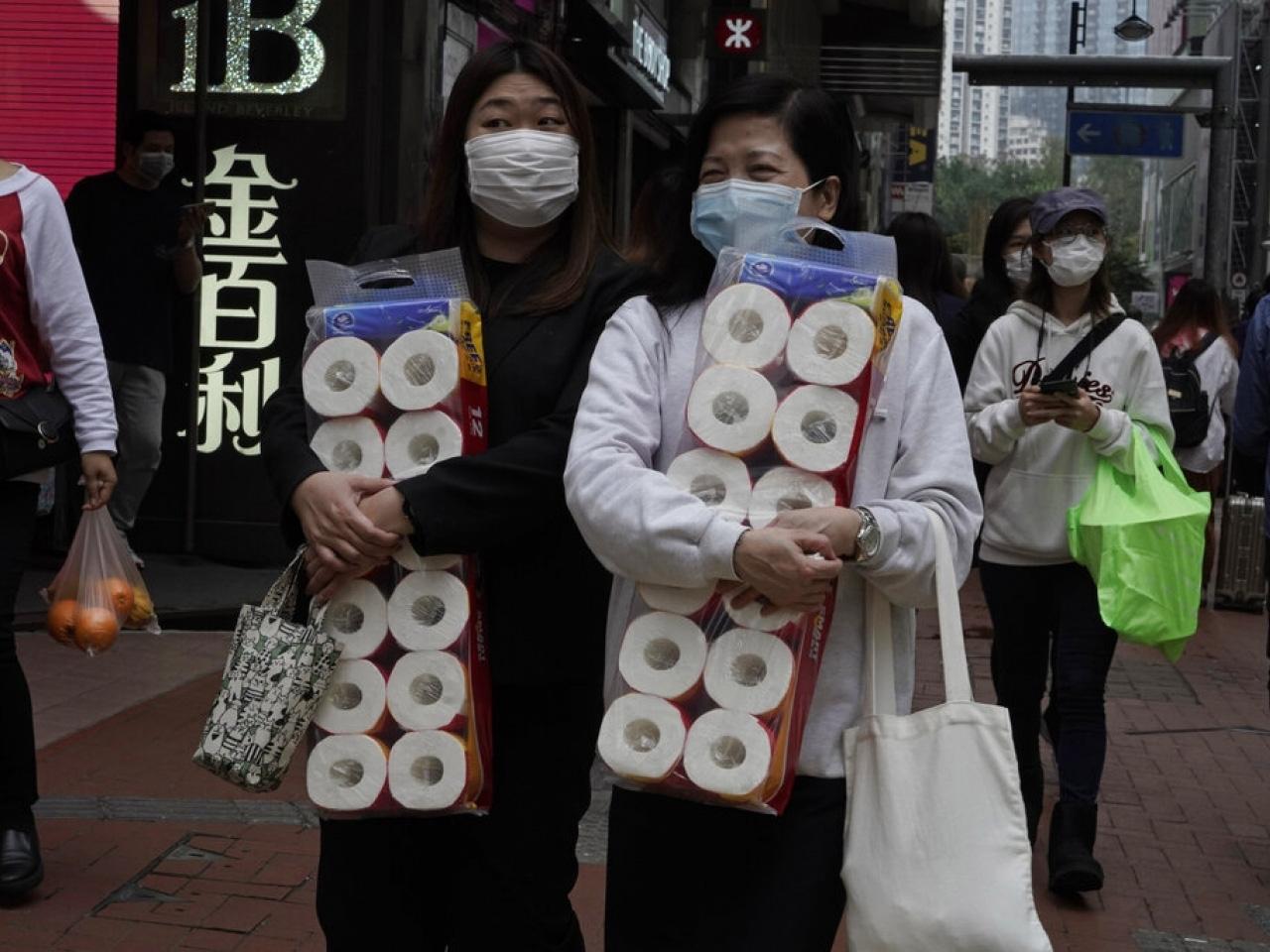 """Giấy vệ sinh bỗng trở thành """"tiền tệ"""" mới nổi ở Singapore và Hong Kong - Ảnh 3."""