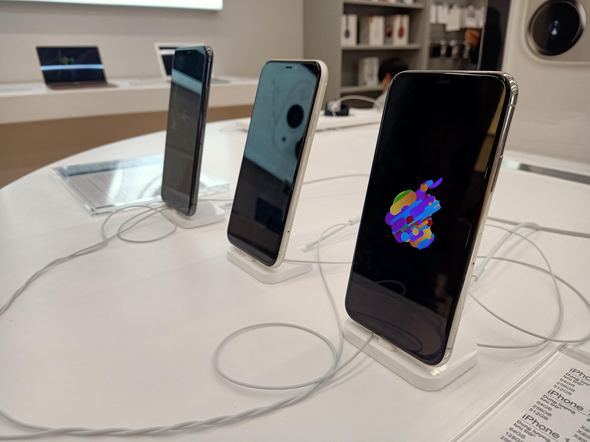 Điện thoại giảm giá tuần này: iPhone biến động nhẹ, Samsung vẫn tiếp tục tung ưu đãi - Ảnh 2.