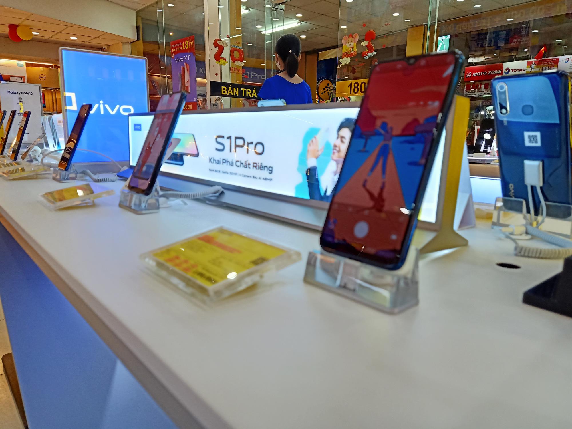 Điện thoại giảm giá tuần này: iPhone biến động nhẹ, Samsung vẫn tiếp tục tung ưu đãi - Ảnh 3.