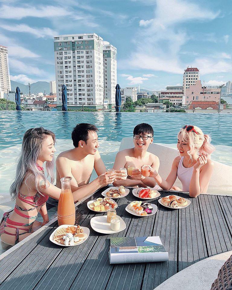 Hàng loạt chương trình ưu đãi nghỉ dưỡng, vui chơi dành cho du khách khi đến du lịch Đà Nẵng - Ảnh 1.