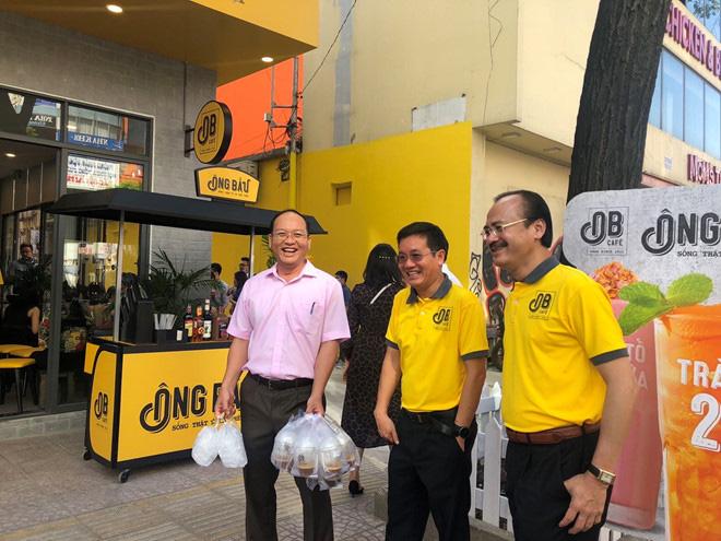 Quán cà phê Ông Bầu của bầu Đức, bầu Thắng, Chủ tịch NutiFood chính thức khai trương ở Sài Gòn - Ảnh 1.