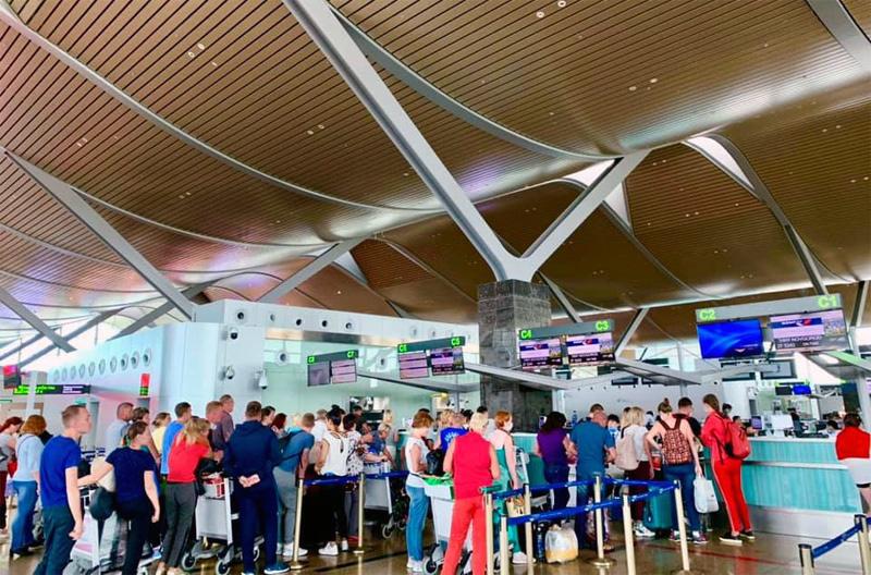 Thuê riêng máy bay, hàng nghìn khách Nga đổ đến Việt Nam - Ảnh 2.