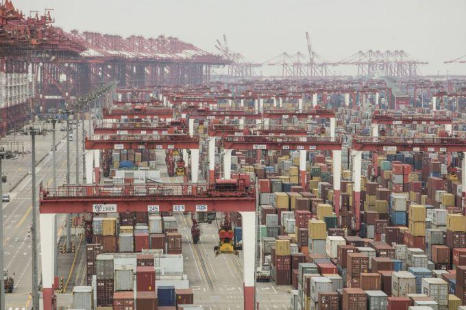 Hàng nghìn container thịt đông lạnh chất đống tại các cảng Trung Quốc - Ảnh 1.