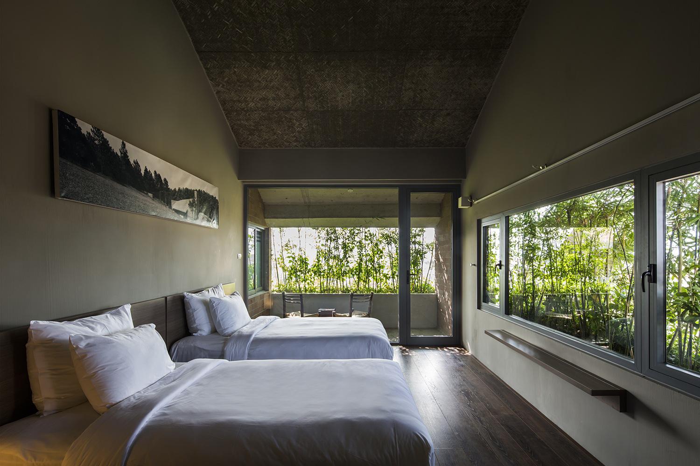Tòa nhà 5 tầng 'siêu độc' phủ kín cây xanh ở Đà Nẵng, được báo Tây hết lời khen ngợi - Ảnh 5.
