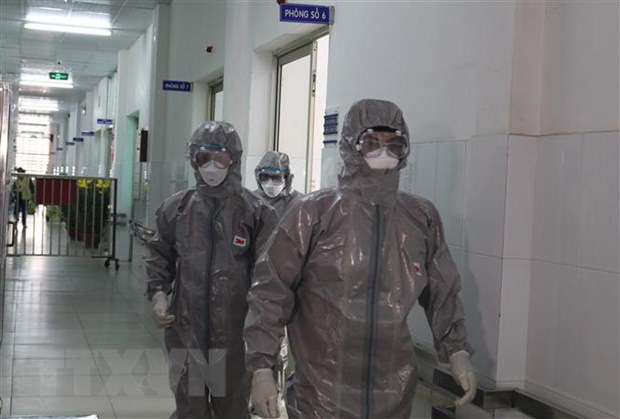 Ca nhiễm virus corona thứ 7 tại Việt Nam quá cảnh qua Vũ Hán 2 tiếng - Ảnh 1.
