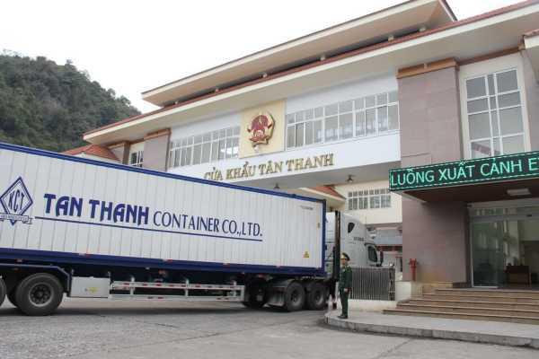 Mở cửa khẩu Tân Thanh, nông sản thông đường sang Trung Quốc - Ảnh 1.