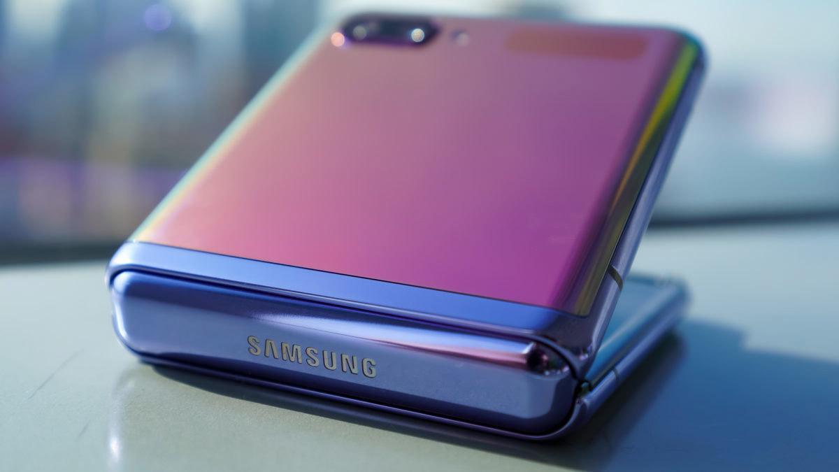 Tại sao lớp bảo vệ màn hình của Samsung Galaxy Z Flip vẫn là nhựa - Ảnh 5.