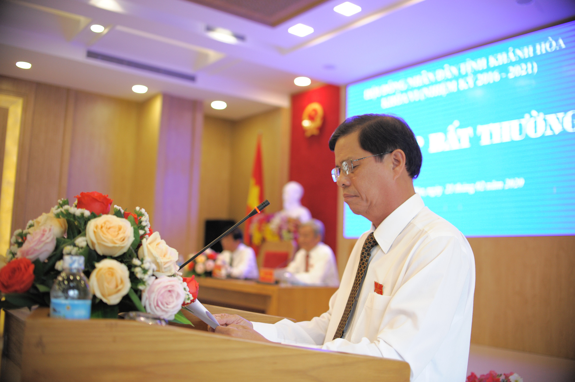 Ông Nguyễn Tấn Tuân giữ chức chủ UBND tỉnh Khánh Hòa - Ảnh 1.