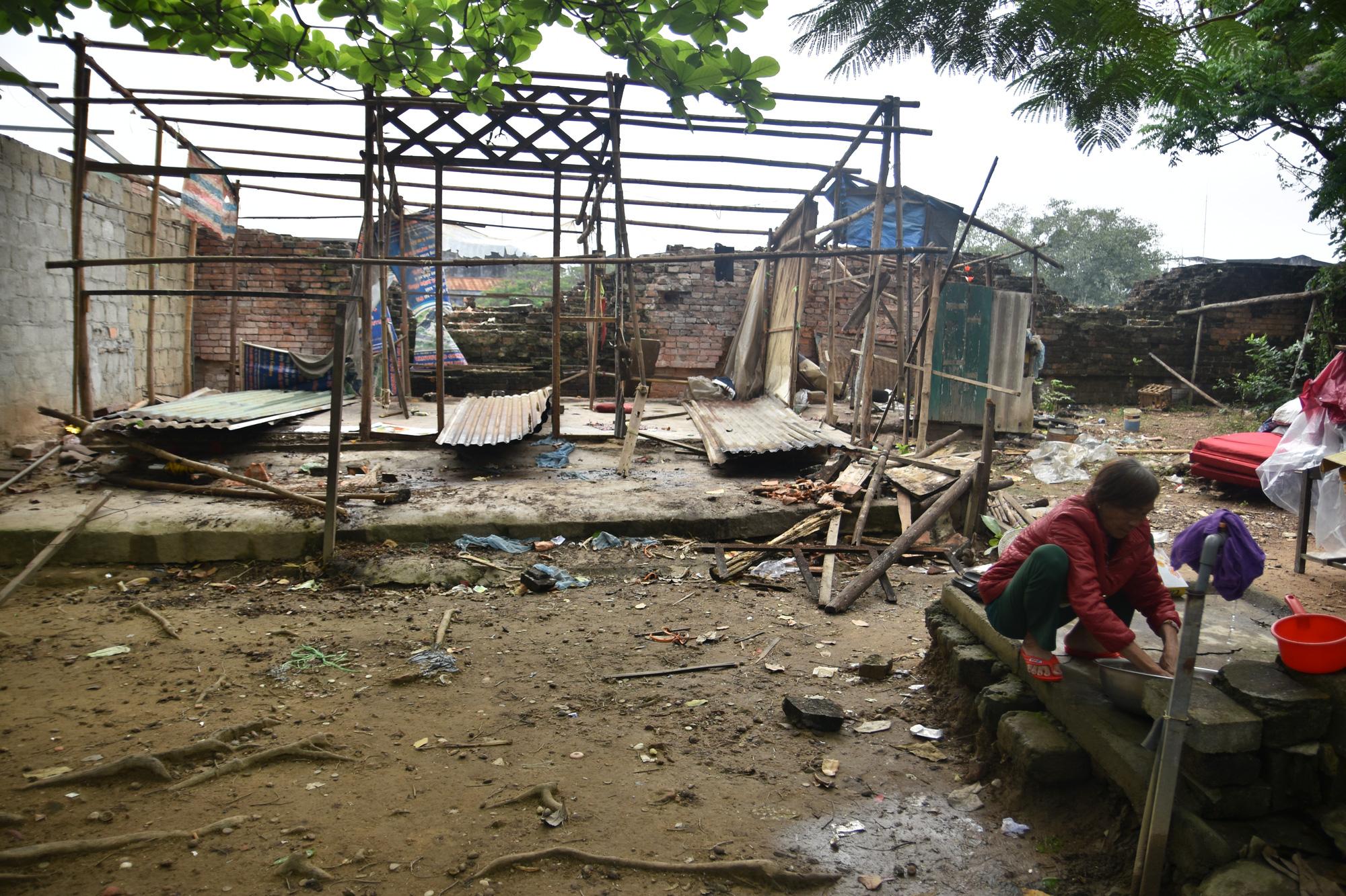 Thừa Thiên - Huế: Người dân Thượng thành tháo dỡ nhà cửa để chuẩn bị đến nơi ở mới - Ảnh 7.