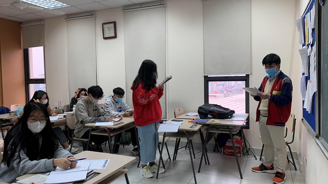 Bộ GD-ĐT đề nghị các địa phương cho học sinh trở lại trường học từ 2/3 - Ảnh 1.