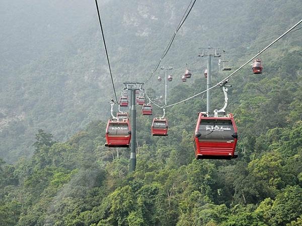 Vé cáp treo Yên Tử giảm giá mạnh để thu hút khách du lịch đến tham quan - Ảnh 1.
