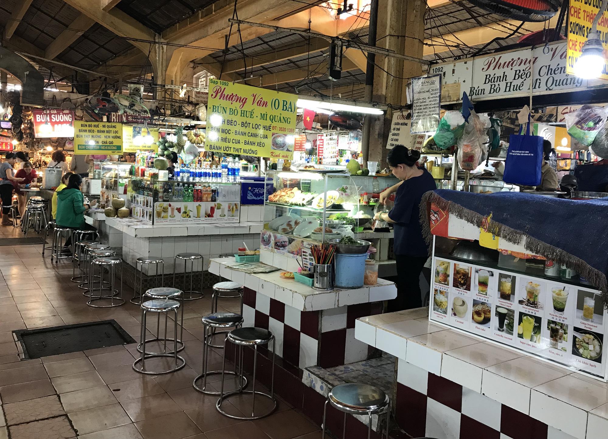 Chợ Bến Thành, Saigon Square ế chưa từng thấy, có tiểu thương đóng cửa, sang sạp vì virus corona - Ảnh 8.