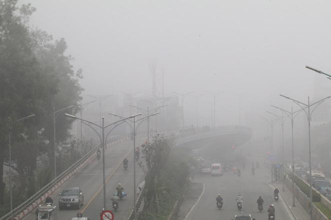 Thời tiết ngày 22/2: Không khí lạnh gây biển động mạnh, chất lượng không khí Hà Nội ở mức rất xấu - Ảnh 1.