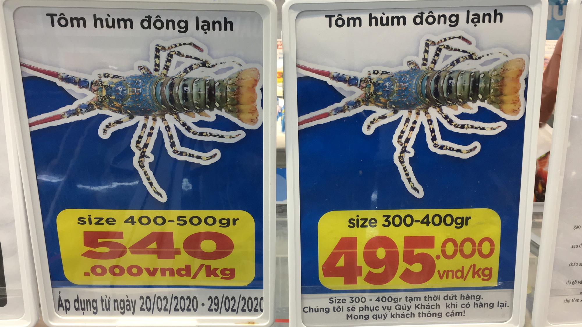 Giải cứu tôm hùm ở Đà Nẵng: Sức mua nhẹ, người dân muốn mua loại còn sống nhưng chỉ có hàng đông lạnh - Ảnh 3.