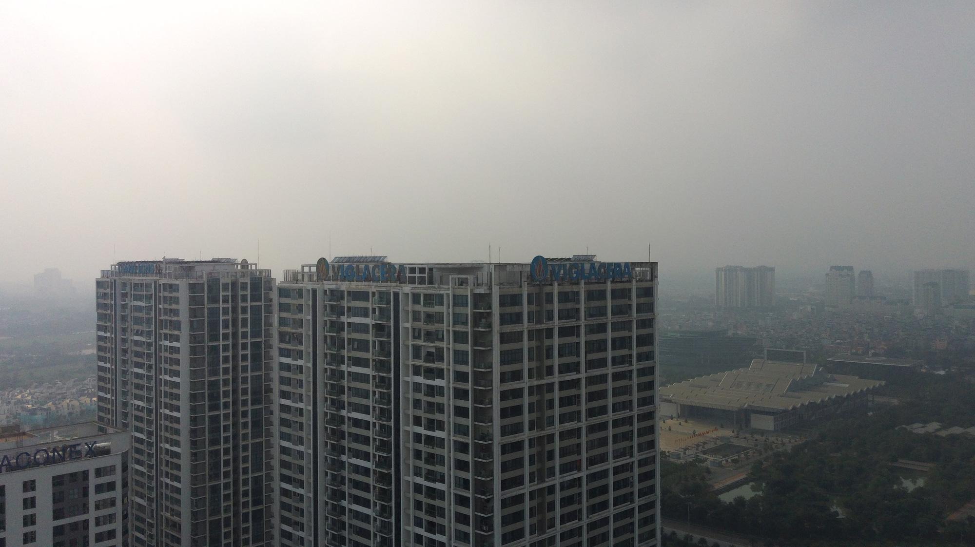 Hà Nội ô nhiễm không khí ở mức cảnh báo tím từ sáng đến chiều - Ảnh 6.