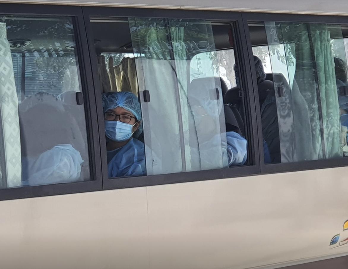 Đà Nẵng: Một số du khách Hàn Quốc bay về nước tối nay, những người chọn ở lại sẽ cách li y tế - Ảnh 1.