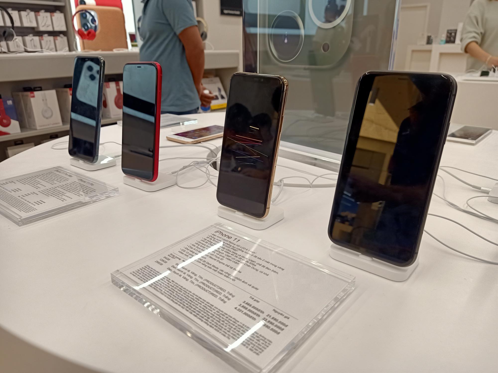 Điện thoại giảm giá tuần này: Giá iPhone chính hãng lẫn xách tay đều biến động nhẹ - Ảnh 1.