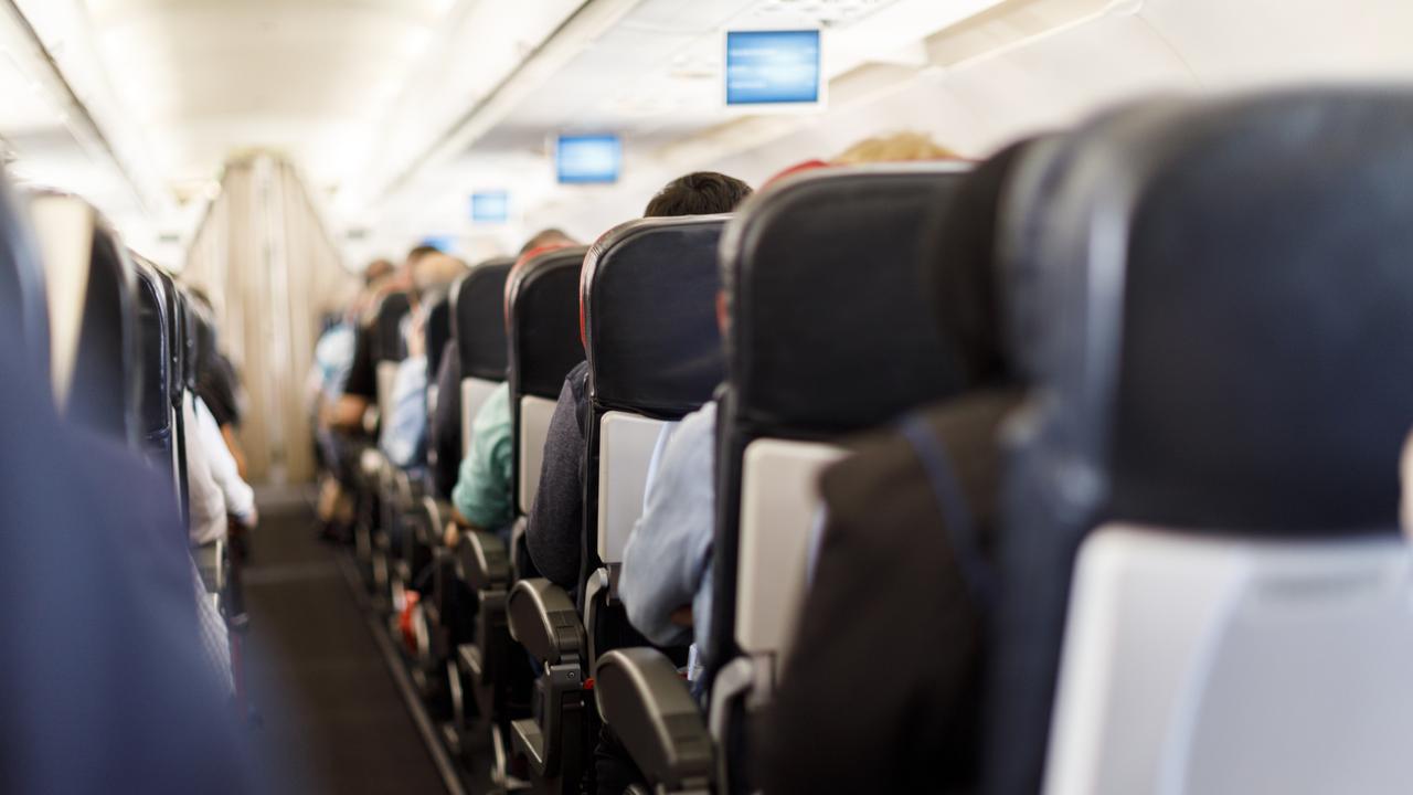 Tiếp viên hàng không mách nhỏ cách đổi chỗ ngồi trên máy bay hiệu quả - Ảnh 2.