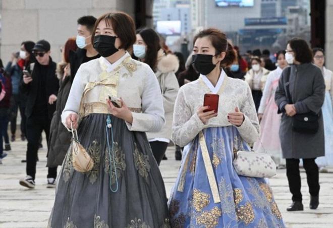 Hàng loạt tour du lịch Hàn Quốc bị hủy do dịch bệnh virus corona - Ảnh 1.
