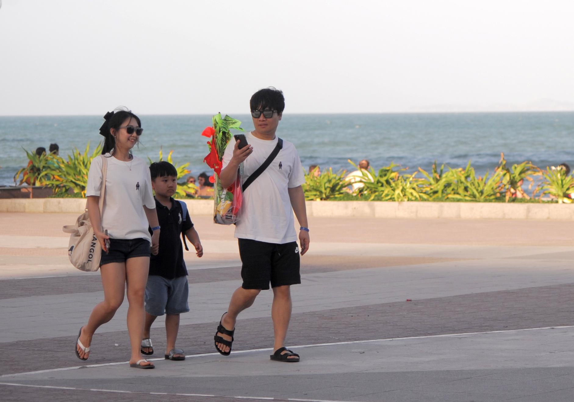 Khánh Hòa: Gửi văn bản hướng dẫn công bố hết dịch, tạm ngừng đường bay Deagu - Hàn Quốc - Ảnh 2.