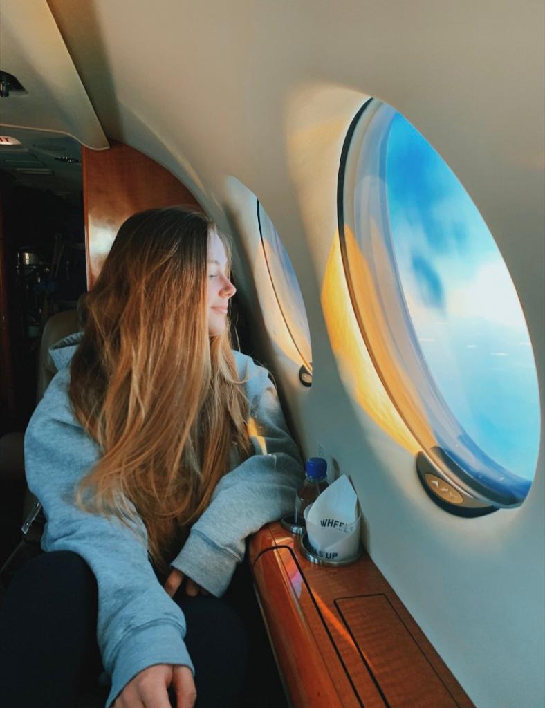 Tiếp viên hàng không mách nhỏ cách đổi chỗ ngồi trên máy bay hiệu quả - Ảnh 1.