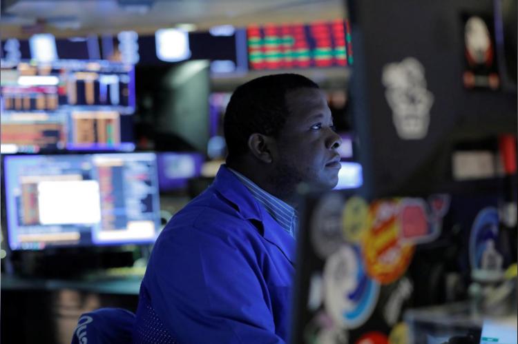 Dow Jones mất hơn 1.000 điểm - Ảnh 1.