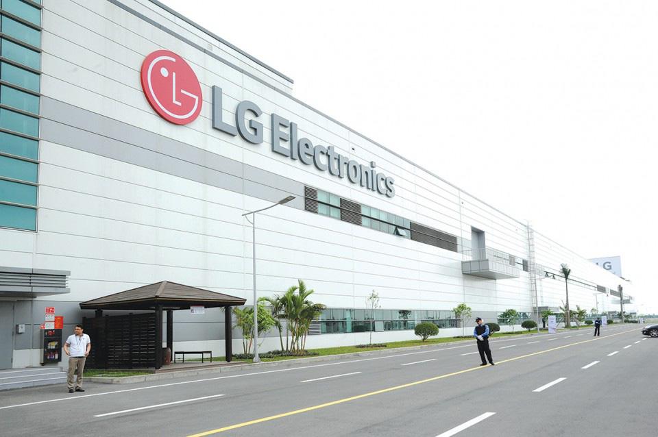 LG, Samsung Việt Nam đang đối mặt việc không có nguyên liệu sản xuất vì dịch Covid-19 - Ảnh 2.