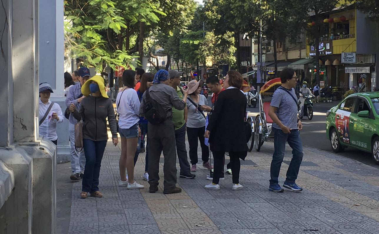 Đà Nẵng tạm dừng tour đưa khách đi và đón từ các vùng có dịch của Hàn Quốc - Ảnh 1.