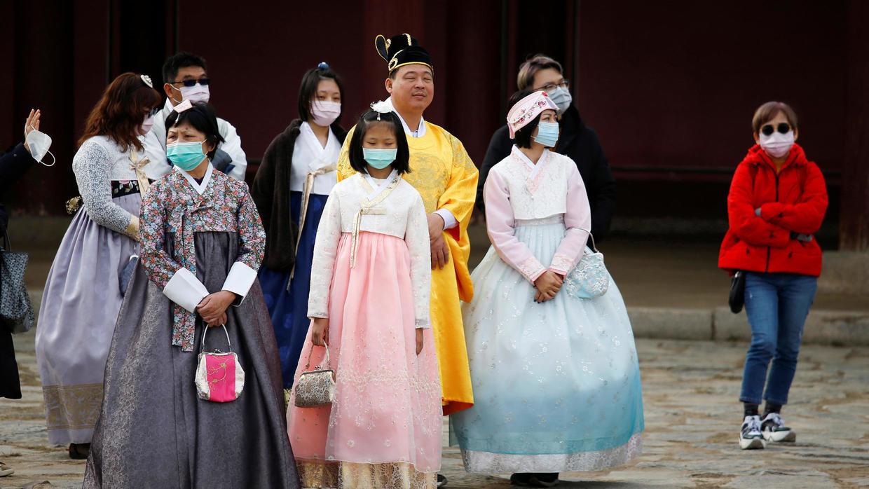 Hàn Quốc ngưng miễn thị thực nhập cảnh vào đảo Jeju, đóng cửa nhiều điểm du lịch do dịch virus corona - Ảnh 1.
