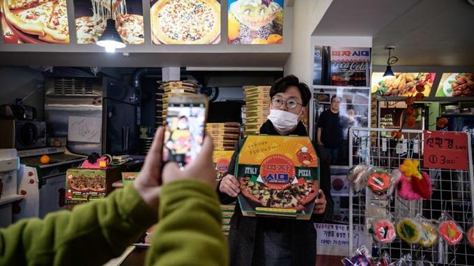 Hàn Quốc ngưng miễn thị thực nhập cảnh vào đảo Jeju, đóng cửa nhiều điểm du lịch do dịch virus corona - Ảnh 3.