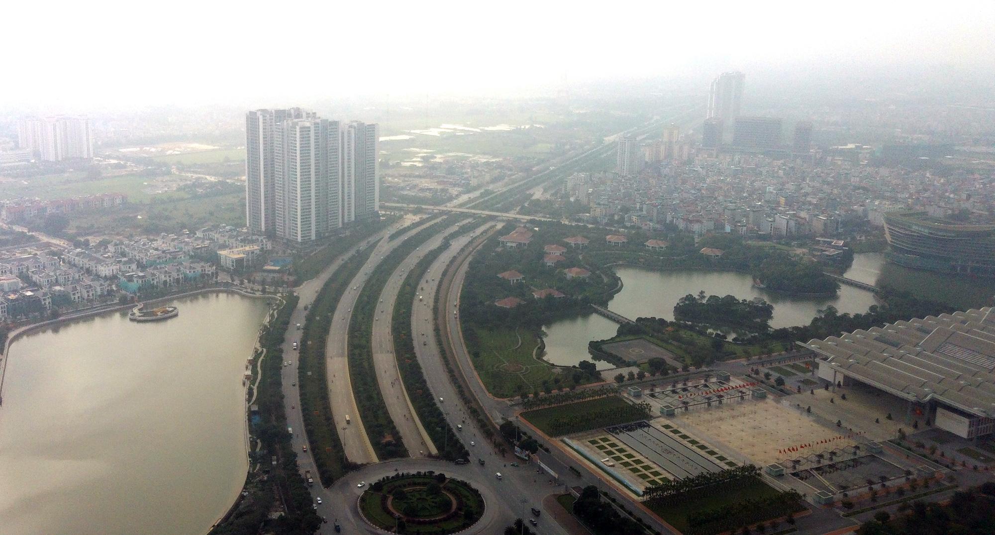 Phương tiện chỉ được đi một chiều trên đường gom Đại lộ Thăng Long từ 2/3 - Ảnh 1.