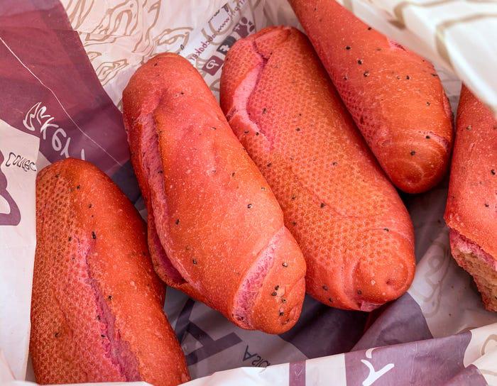 Bánh mì thanh long Việt Nam được báo nước ngoài khen ngợi - Ảnh 4.